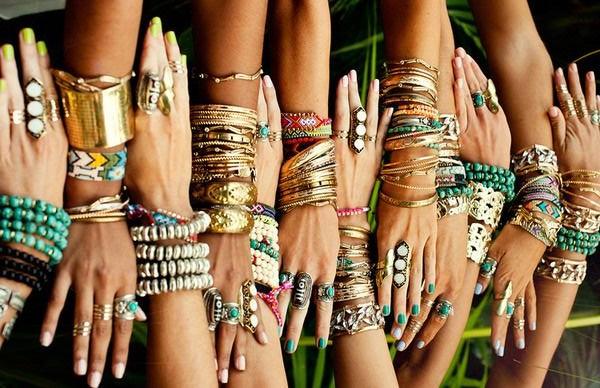 Массивные браслеты в этническом стиле