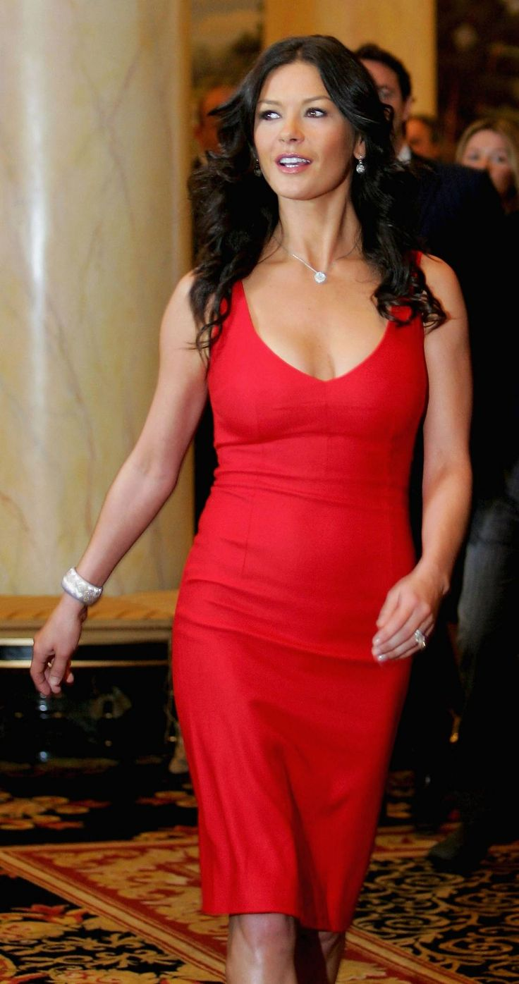 Catherine Zeta- Jones red dress1