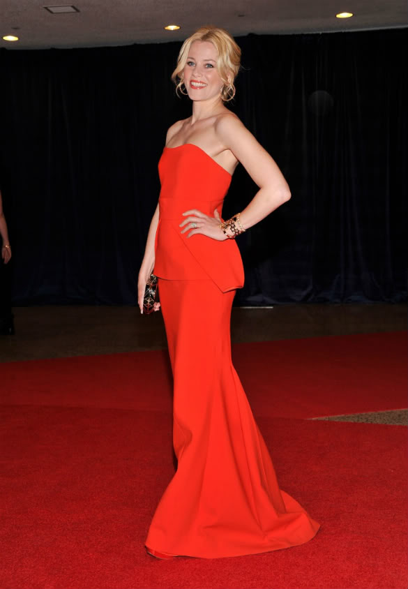 Elizabeth Banks red dress