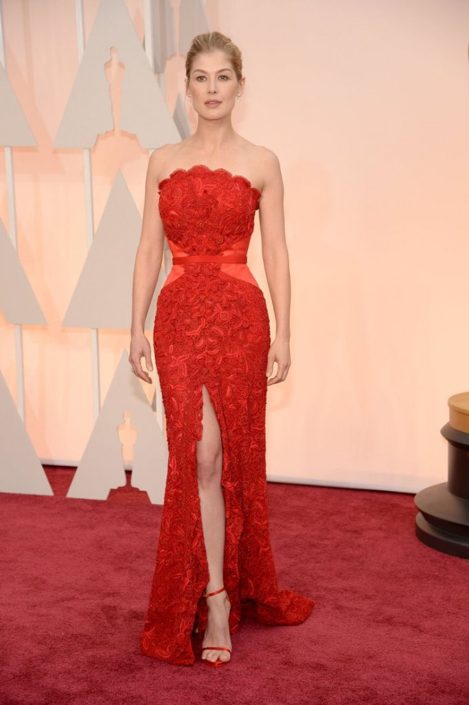Rosamund Pike red dress